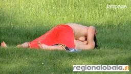 Slovenia, fanno sesso al parco in pieno giorno