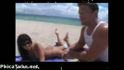 Micro Bikini Beach Babe İzle
