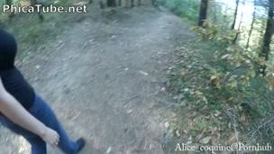 Spagnola e sborrata in faccia nel bosco, giovane tettona ama la sborra! - Phica.net
