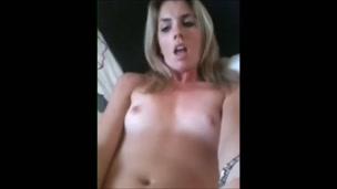 Orgasmi biondi tette piccole
