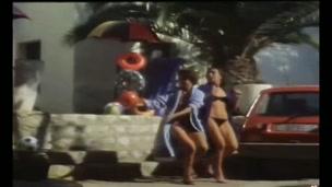Inclinacion Sexual al Desnudo (1982)