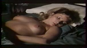 Delices d'un sexe chaud et profond (1982)